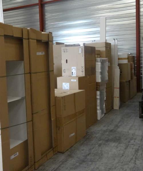 livraison-meubles-neufs : Stockage plombés, dans un dépôt sécurisé 24h/24