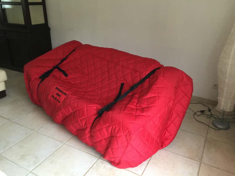 Canapé emballé pour un demenagement